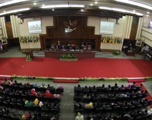 100-anggota-dprd-jateng-dilantik