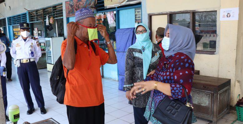 Dewan Harap Disediakan Hand Sanitaizer di Tiap Bus