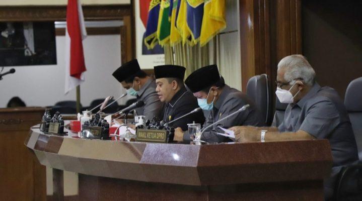 RAPAT PARIPURNA VIRTUAL: Pendapat Gubernur atas 2 Raperda Usulan DPRD
